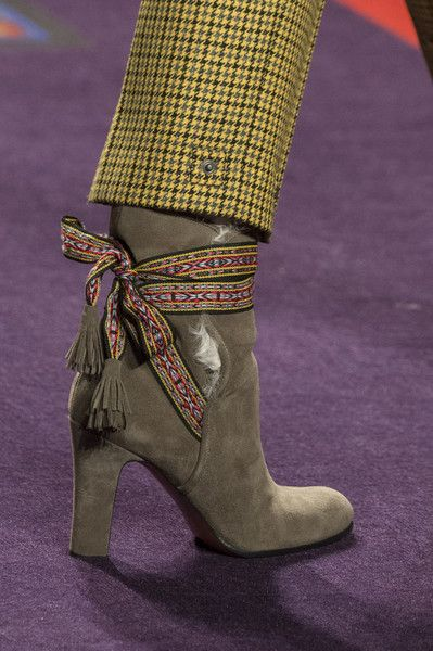 Etro, Fall 2017 - The Beautiful and Bizarre Shoes on the Milan Runway - Photos