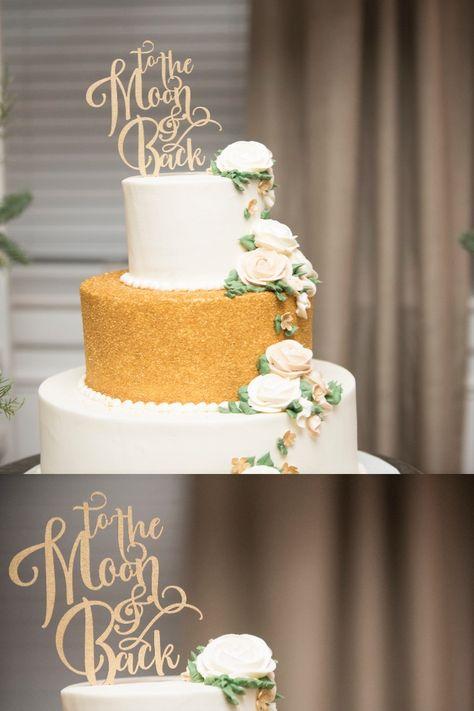 Photography by: Boswick Photography . . . . . #downingtowncountryclub #downingtown #downingtownweddings #chestercounty #dccweddings #chestercountyweddings #ronjaworskiweddings #countryclubwedding #cake #weddingcake #yum #dessert #sweet #cakeinspiration #weddingcakeinspiration #details