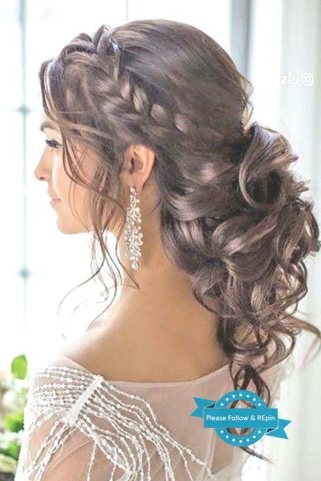 Hochsteckfrisuren Fur Lange Lockige Haare Haarband Einfachefrisuren Krausesh Frisur Hochgesteckt Hochsteckfrisur Lange Lockige Haare