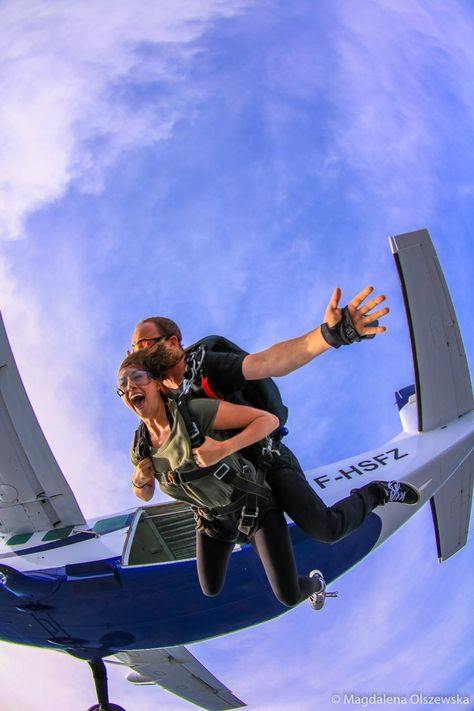 A tandem jump is the easiest way to get the thrill of skydiving . - A tandem jump is the easiest way to experience the thrill of skydiving. Adventure Awaits, Adventure Travel, Tandem Jump, Hang Gliding, Adventure Bucket List, Bungee Jumping, Paragliding, Best Friend Pictures, Summer Bucket Lists