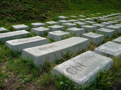 Tastiera da giardino o cimitero informatico?