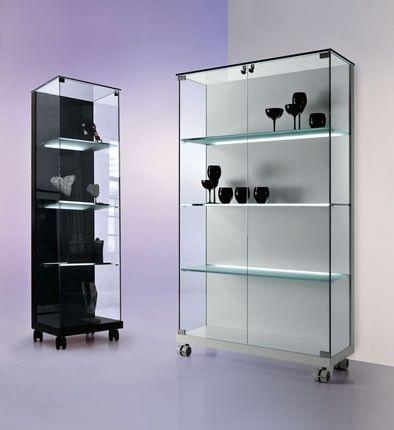 Tonelli Vitrine Medora Designermobel Von Raum Form Vitrine Hersteller Produkte