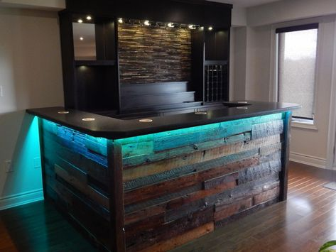 Home Bar Granite And Barn Board In 2020 With Images Custom Home Bars Bars For Home