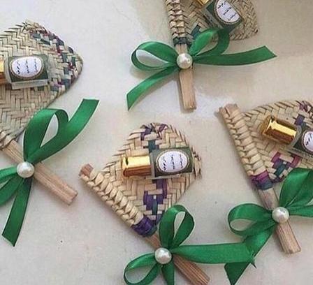 توزيعات وهدايا بمناسبة اليوم الوطني السعودي 2019 Saudi Arabia National Day Gifts And Treats Ramadan Crafts Ramadan Gifts Eid Gifts