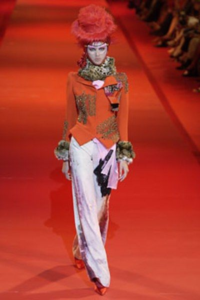 Christian Lacroix Fall 2002 Couture Fashion Show In 2020 Christian Lacroix Fashion Christian Fashion