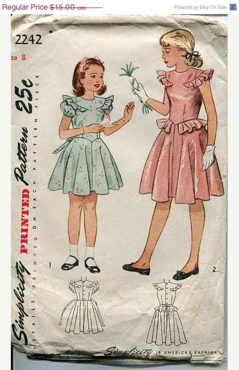 VENDITA di primavera 25% fuori degli anni quaranta ragazze Dress Pattern semplicità 2242 Sz 8 seno 26 ragazze partito abito completo gonna volant Peplum maniche di PengyPatterns su Etsy https://www.etsy.com/it/listing/185359046/vendita-di-primavera-25-fuori-degli-anni