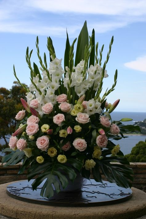 33 Super Ideas Flowers Arrangements For Church Gladioli