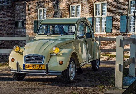 Scala 1:18 Maisto 31834-1952 Citroen 2CV Vintage Modellino