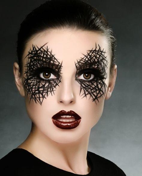 schönes schminken zu halloween - schwarze linien