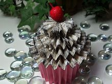 Paper Cupcake Tutorial- cute Christmas ornament