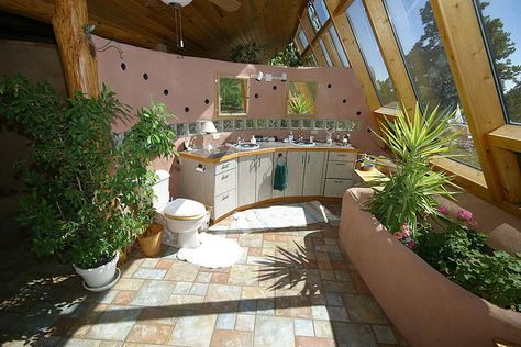 Black Forest passive solar tire house by theentiremikey Earth Sheltered Homes, Eco Buildings, Passive Solar, Tadelakt, Natural Building, Green Building, Underground Homes, Natural Homes, Passive House