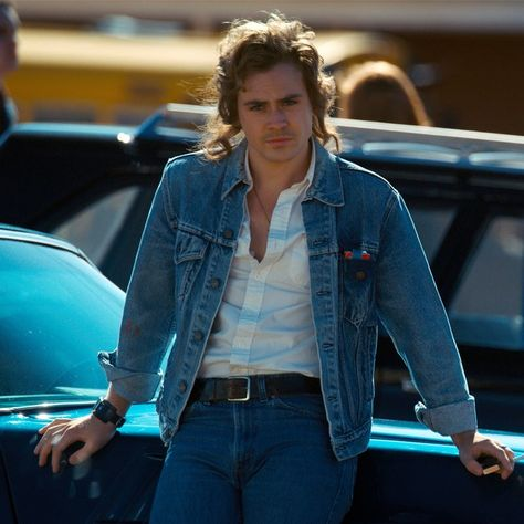 'Stranger Things' Star Dacre Montgomery Cannot Stop Dancing Without a Shirt On