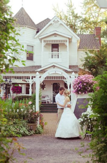 Posts About Belle Victorian Gardens On Apple Brides