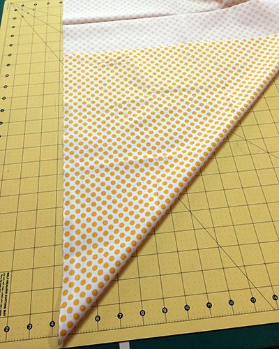 Make This: Make Your Own Bias Tape Tutorial - - Today's Creative Team tutorial is from Cami. She has a great method for easily cutting fabric on the bias and shows you how to make your own double-fold bias tape out of any woven cotton fab…. Quilt Binding Tutorial, Smocking Tutorial, Bib Tutorial, Tutorial Sewing, Bias Binding, Sewing Hacks, Sewing Tutorials, Sewing Tips, Dress Tutorials