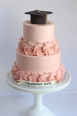 Clean Finish Cakes Starbird Bakehouse Graduation Party Cake Girls Graduation Cake Graduation Cake Designs