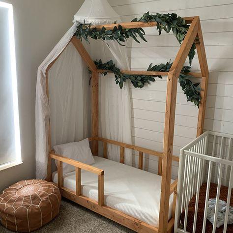 Toddler Floor Bed, Toddler House Bed, Diy Toddler Bed, House Beds For Kids, Girl Toddler Bedroom, Wooden Toddler Bed, Toddler Bed Frame, Bed Ideas For Kids, Full Size Toddler Bed