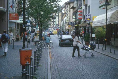 In Frankfurt's Bockenheim districts, pedestrians cross the street  at will due to the slow speed of traffic and the friendly pedestrian environment.