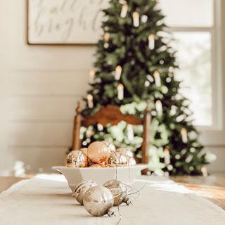 Jamie Whitetail Farmhouse Whitetailfarmhouse Instagram Photos And Videos Merry And Bright Christmas Decorations Yuletide
