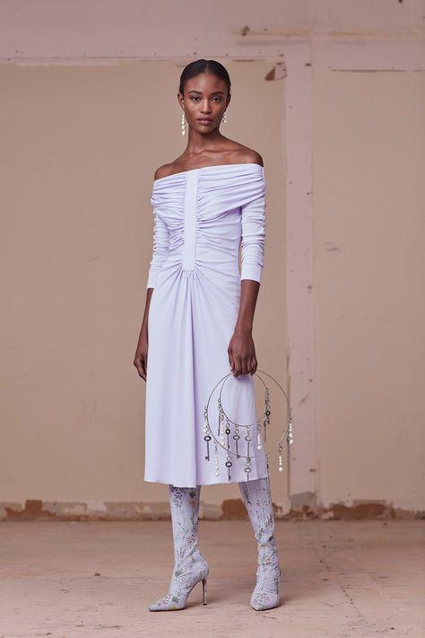 http://www.vogue.com/fashion-shows/pre-fall-2017/altuzarra/slideshow/collection
