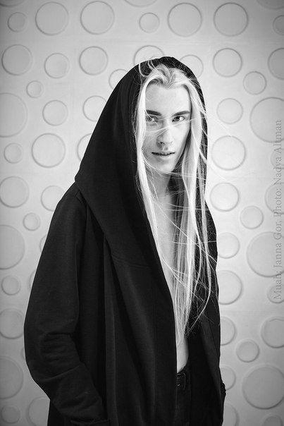Fotografiya White Hair Men Long Hair Styles Men Long White Hair