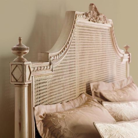 Beauvier French Cane Bed