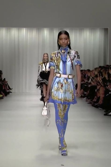 Versace Look 24. Spring Summer 2018 Ready to Wear Collection