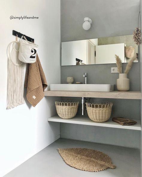 Il bagno è una delle stanze più importanti della casa: è qui che inizia e finisce la giornata. Per valorizzarlo al massimo, abbiamo raccolto per te tante idee speciali adatte a ogni tipo di spazio, piccolo o grande che sia. Divertiti a scegliere mobili, accessori e decorazioni da parete, senza dimenticare la giusta illuminazione.📸 @simplylifeandme  // Idee Piccolo Cieco Rivestimento Asciugamani Rosa #MyWestwingStyle #bagno