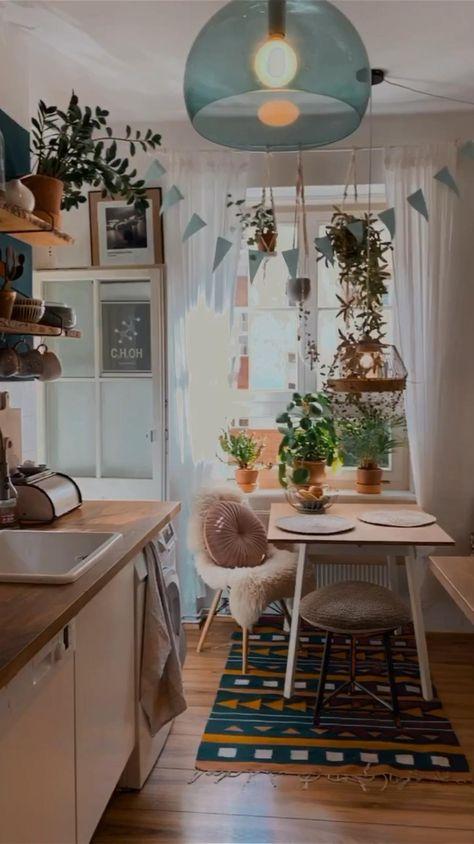 Auch andere Menschen haben tolle Wohnungen. Begleite Fridlaa auf ihrer Tour durch wunderschönes Interior.