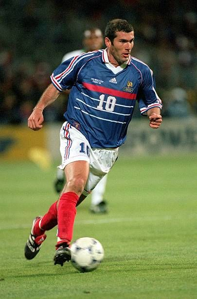 World Cup Finals Marseille France 12th June 1998 France 3 V South Africa 0 France S Zinedine Zidane Runs With The Ball Soccer Football Photos Soccer Boots