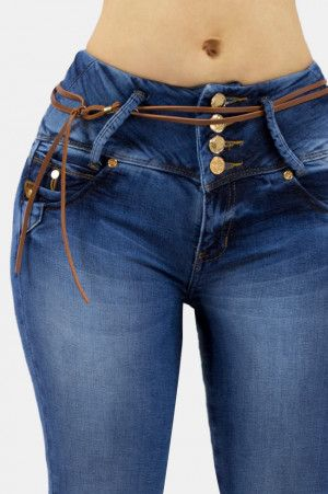 6ee6a620428d Pin de Maricel en modelo bolsillos en 2019 | Pantalones de mezclilla ...
