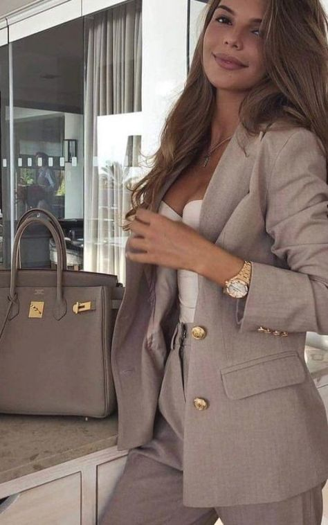 Classical Work Outfit #work #workoutfit #outfit #outfitideas #stylish Classical Work Outfit #work #workoutfit #outfit #outfitideas #stylish     #Classical #Outfit #outfitideas