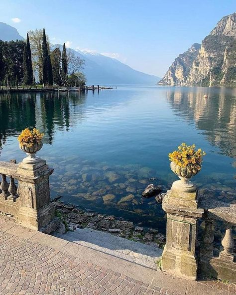 Peaceful scene 🍃 Garda Lake, the largest lake in Italy. Photo by - - Palawan, Dream Vacations, Vacation Spots, Vacation Rentals, Italy Vacation, Romantic Vacations, Vacation Packages, Romantic Travel, Italy Travel