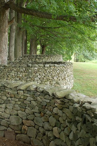 Andy Goldsworthy- 'Storm King Wall' - Storm King Art Center Love this upclose picture of the wall there. Andy Goldsworthy, Landscape Art, Landscape Architecture, Landscape Design, Land Art, Garden Art, Garden Design, Garden Gates, Storm King Art Center