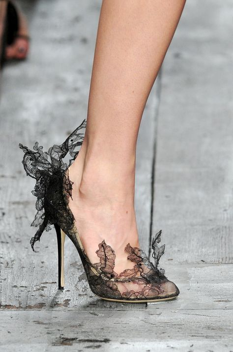 Valentino at Paris Fashion Week Spring 2010 - Details Runway Photos -pumps