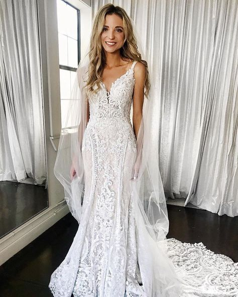 52 Wonderful Long Sleeve Wedding Dress Ideas is part of Wedding dress train - A wedding gown is something which is priceless to the bride A wedding is intended to be a colourful affair […] Chapel Wedding Dresses, Wedding Dress Train, Dream Wedding Dresses, Stunning Wedding Dresses, Bridal Dresses, Wedding Gowns, Backless Wedding, Event Dresses, Trumpet Wedding Dresses