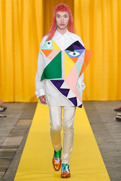See all the Collection photos from Walter Van Beirendonck Spring/Summer 2018 Menswear now on British Vogue