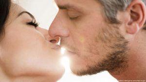 تفسير التقبيل والحضن والمعانقه في الحلم الاحلام بوست Kissing Couples Big Fish Drop Earrings