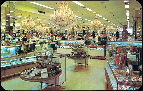 Postcard from Hess\'s Department Store\'s International Flower Show ...