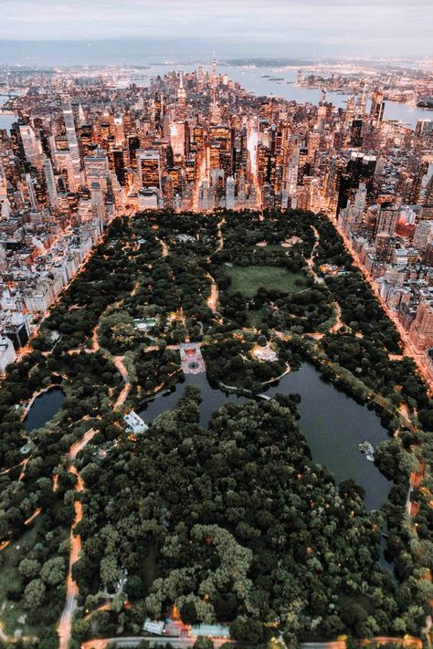 New York Life, Nyc Life, City Life, City Aesthetic, Travel Aesthetic, Gold Aesthetic, Central Park New York, Central City, New York Tipps