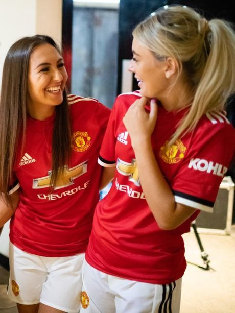 Pin By Songs Yeah On Visakha And Forward In 2020 Manchester United Fans Manchester United Football Manchester United Legends