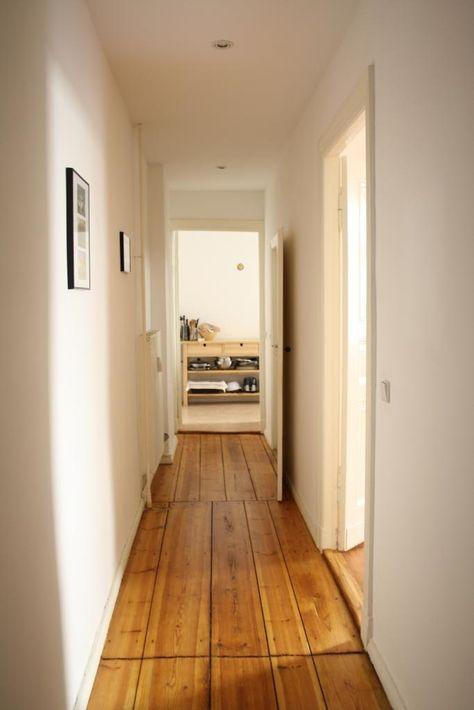 Schöner Altbauflur mit schönem Dielenboden WG in Berlin #hallway - offene küche wohnzimmer abtrennen