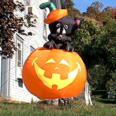 Funny Halloween Pictures: Funny Halloween Pictures: Jack-o'-Lantern Inflatable