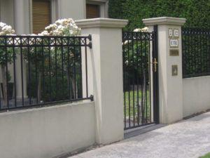 Brick Wall Designs With Palisade Fencing Cercas De Casas Cerca De Patio Fachada De Casas Bonitas