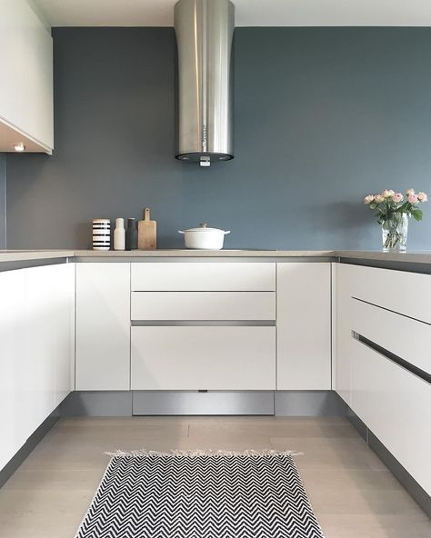 "Natalie Giske Skrede on Instagram: ""➕Kitchen➕ Good morning everyone 🌺🌺🌺 #kitcheninspo #kitchendesign #mynordicroom #mycasa #nordicdesign #nordicminimalism #onlyinterior…"""