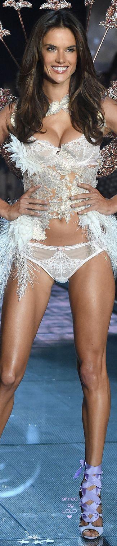 Fashion lingerie show secret victoria