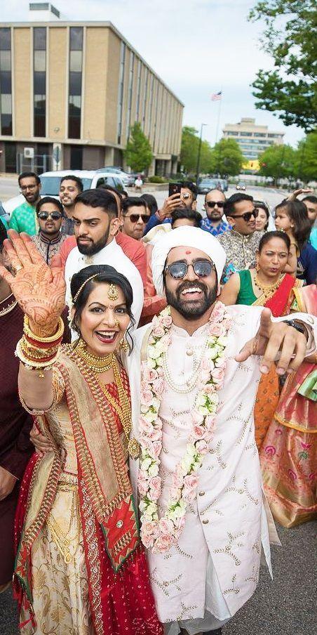 Baraat For Indian Wedding In 2020 Indian Wedding Photography Wedding Photos Poses Indian Wedding