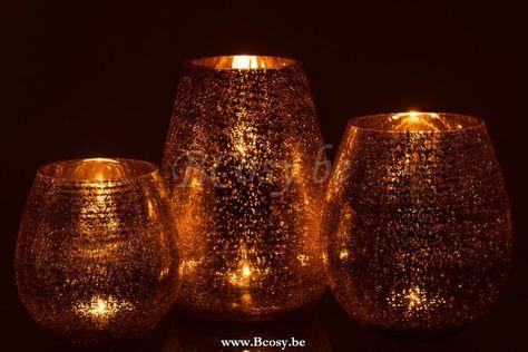 J Line Windlicht Eivorm Craquele Glas Goud Large 26h Jline By Jolipa 7749 Windlichten Lanternes Photophores Lanterns Hurricanes Lant Kandelaar Kaarshouder Goud