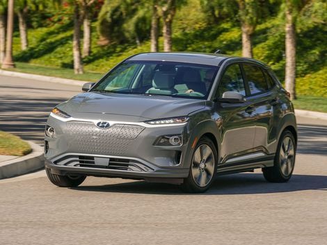 The 2019 Hyundai Kona Electric Is A Fun Ev With A Solid Driving Range Motor Car Compact Suv Car