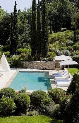 Grand Jardin Avec Piscine Www M Habitat Fr Backyard Pool