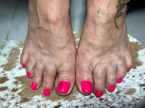 Rose #fluo #pour #l #t #nails #semipermanent #gel #ongles #ete #gelnails #seminails #prothesisteongulaire #adomicile #var #hyeres #french #girls #nailsaddict #instanails #nailstagram #instapic #beauty #cliente #lovenails #rose #pink #haar